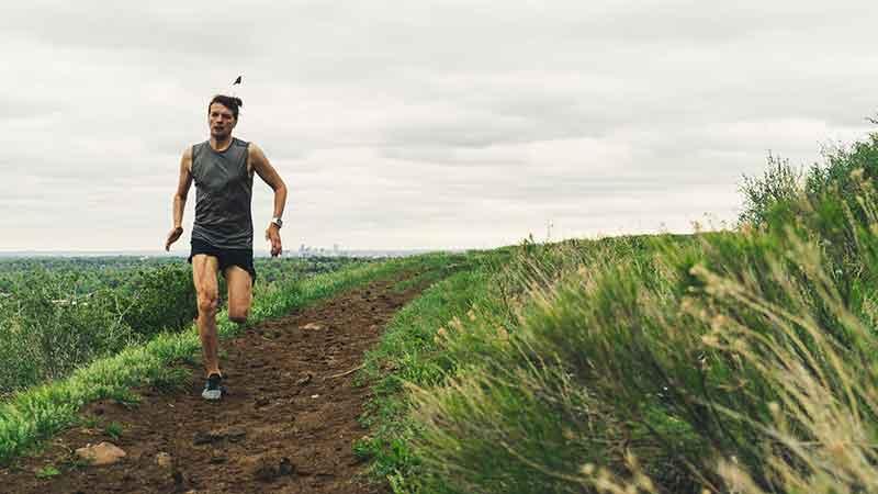 start a running blog - man trail running