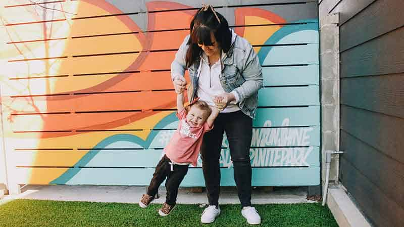 starting a family blog - mom with child