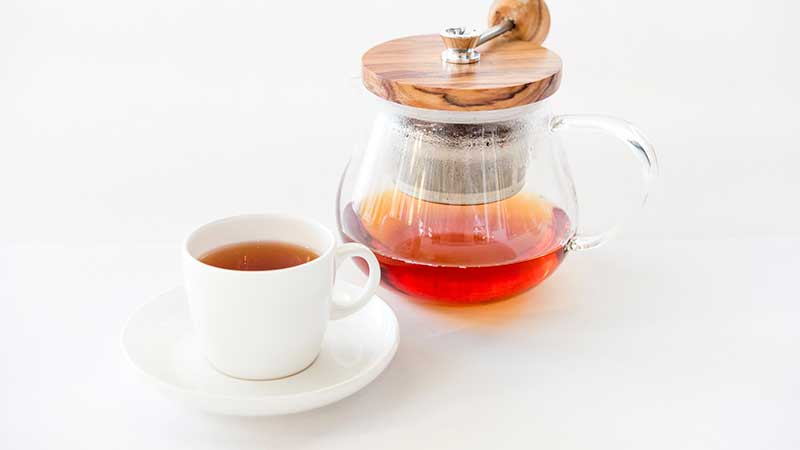 teapot with tea